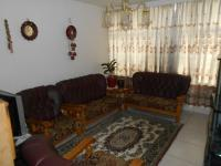 Lounges - 20 square meters of property in Benoni