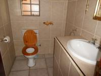 Bathroom 1 - 2 square meters of property in Boksburg