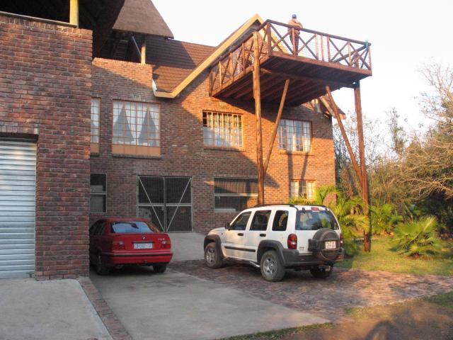 5 Bedroom House For Sale in Marloth Park - Private Sale - MR105593