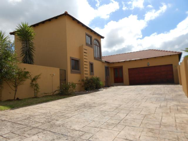 3 Bedroom House for Sale For Sale in Midrand - Private Sale - MR105601