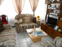 Lounges - 18 square meters of property in Gezina