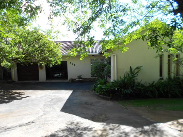 4 Bedroom House For Sale in Kempton Park - Private Sale - MR105672
