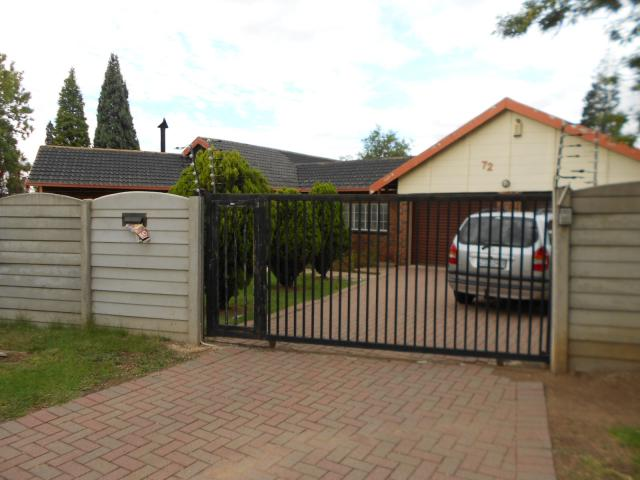 5 Bedroom House for Sale For Sale in Boksburg - Home Sell - MR105726