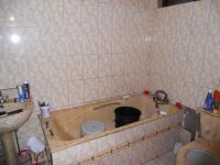 Main Bathroom - 5 square meters of property in Isipingo Beach