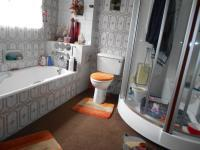 Main Bathroom - 10 square meters of property in Dalpark