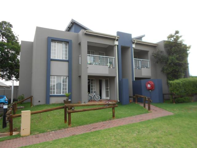 2 Bedroom Sectional Title For Sale in Benoni - Private Sale - MR105880