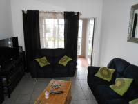 Lounges - 12 square meters of property in Benoni