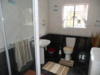 Main Bathroom - 7 square meters of property in Lenasia South