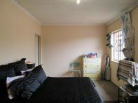 Main Bedroom - 22 square meters of property in Lenasia South