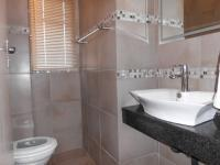 Bathroom 1 - 3 square meters of property in Sterrewag