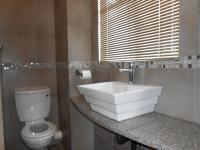 Main Bathroom - 5 square meters of property in Sterrewag