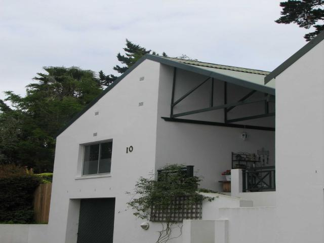 4 Bedroom Simplex for Sale For Sale in Knysna - Private Sale - MR105954