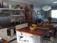 Kitchen - 13 square meters of property in Knysna