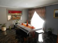 Dining Room - 21 square meters of property in Bosmont