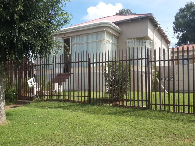 House for Sale For Sale in Krugersdorp - Private Sale - MR105972
