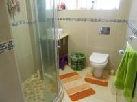Main Bathroom - 6 square meters of property in Hamberg