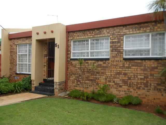 House for Sale For Sale in Roodepoort - Private Sale - MR105992