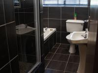 Bathroom 1 - 7 square meters of property in Mtunzini