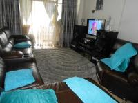 Lounges - 32 square meters of property in Sunnyside