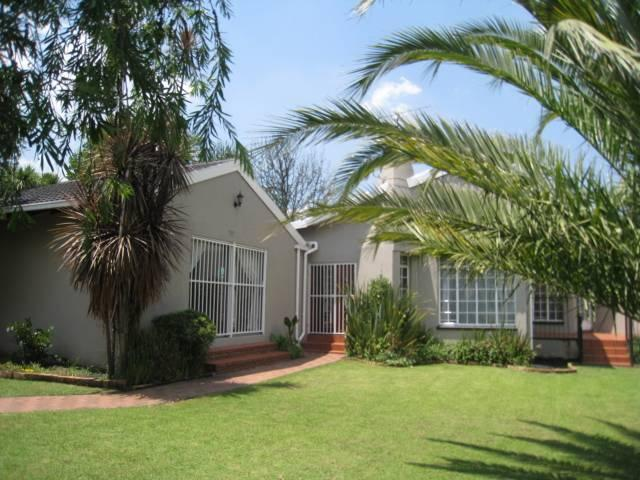 3 Bedroom House for Sale For Sale in Benoni - Home Sell - MR106008