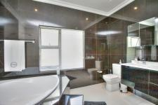 Main Bathroom - 12 square meters of property in Jukskei Park