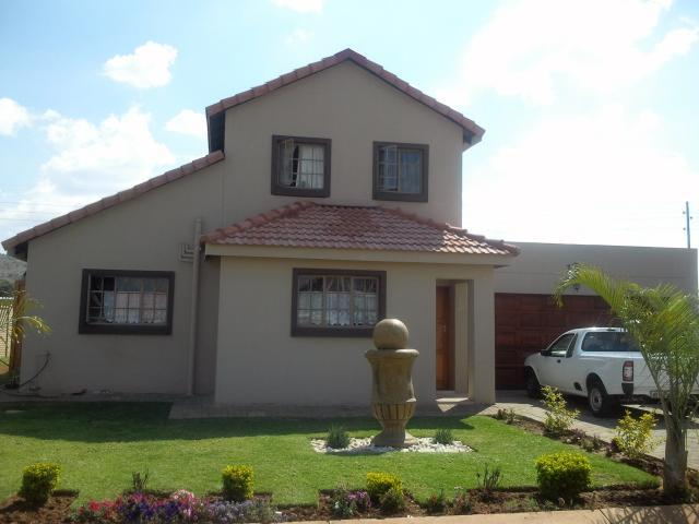 3 Bedroom House for Sale For Sale in Rustenburg - Home Sell - MR106017