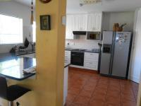 Kitchen - 25 square meters of property in Rooihuiskraal North