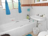 Main Bathroom - 3 square meters of property in Rietfontein