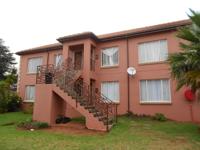 2 Bedroom Apartment for Sale For Sale in Kempton Park - Home Sell - MR106028