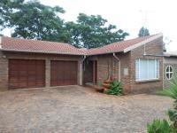 4 Bedroom 2 Bathroom in Brackenhurst