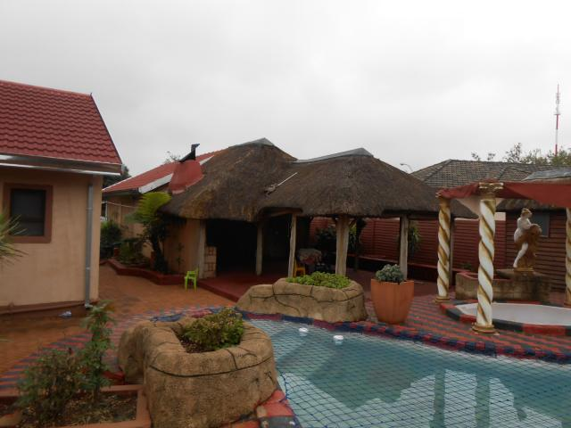 6 Bedroom House For Sale in Germiston - Private Sale - MR106033