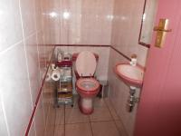Bathroom 1 - 2 square meters of property in Sonneveld