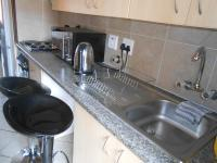 Kitchen - 5 square meters of property in The Orchards