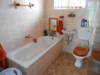 Main Bathroom - 5 square meters of property in Randfontein