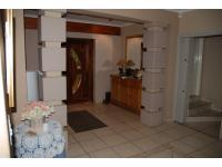 Spaces - 74 square meters of property in Glenvista