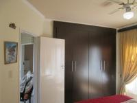 Bed Room 2 - 15 square meters of property in Glenvista