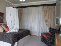 Main Bedroom - 29 square meters of property in Glenvista