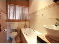 Main Bathroom - 3 square meters of property in Ferndale - JHB