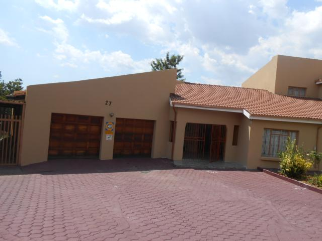 5 Bedroom House for Sale For Sale in Centurion Central (Verwoerdburg Stad) - Private Sale - MR106152