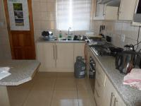 Kitchen - 10 square meters of property in The Orchards