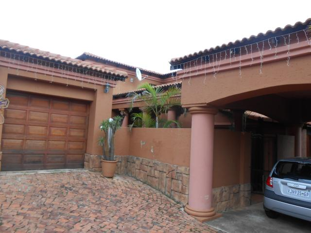 Standard Bank EasySell 5 Bedroom House for Sale in Mooikloof - MR106166