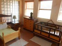 Bed Room 1 - 14 square meters of property in Mooikloof