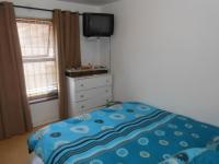 Bed Room 1 - 12 square meters of property in Wynberg - CPT