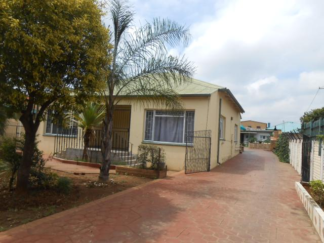 7 Bedroom House for Sale For Sale in Pretoria West - Private Sale - MR106254