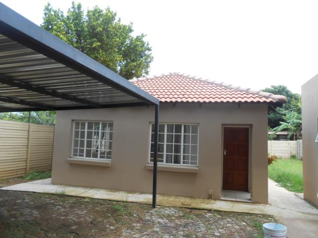 3 Bedroom Duet For Sale in Rietfontein - Private Sale - MR106271