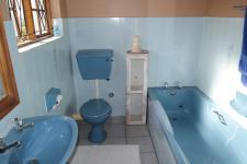 Main Bathroom - 5 square meters of property in Saldanha