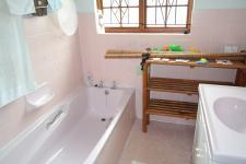Bathroom 2 - 2 square meters of property in Saldanha