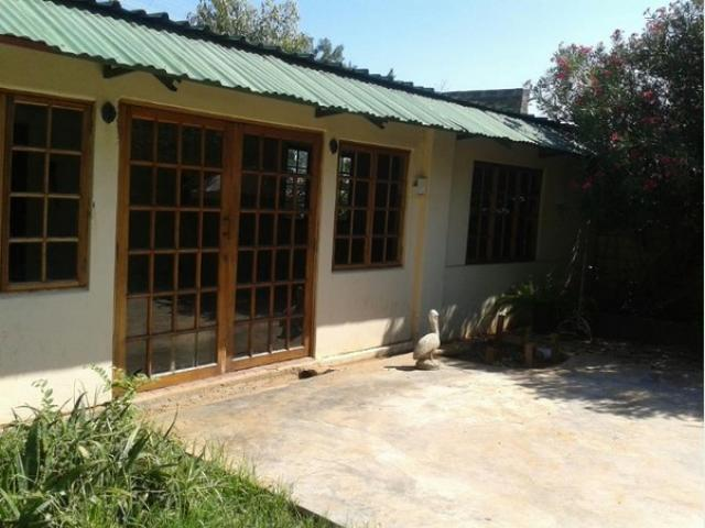 Standard Bank EasySell 2 Bedroom House For Sale in Barkly West - MR106294