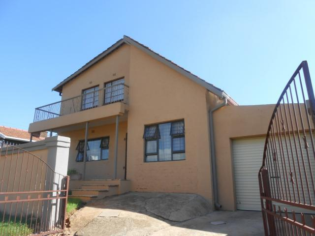 5 Bedroom House For Sale in Bosmont - Private Sale - MR106320