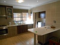 Kitchen - 22 square meters of property in Bosmont